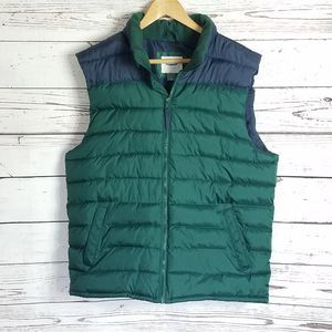 5/$25 Old Navy puffer vest size large